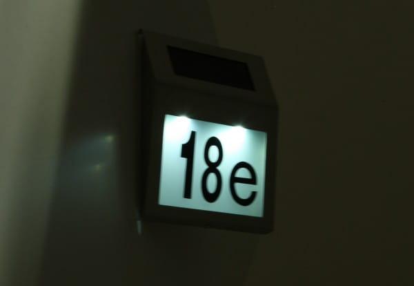 LED Solar-Hausnummer